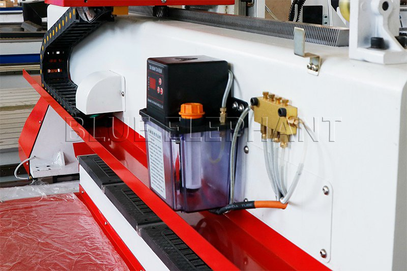 automatic lubrication system of 1212 3 axis cnc router with helical rack and gear drive