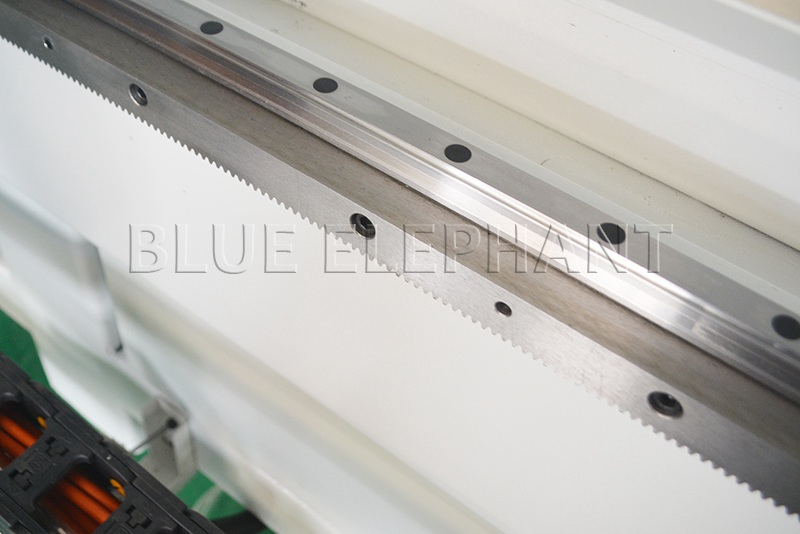pmi linear guide of 1325 pnuematic system 2 spindles cnc router with high z travel