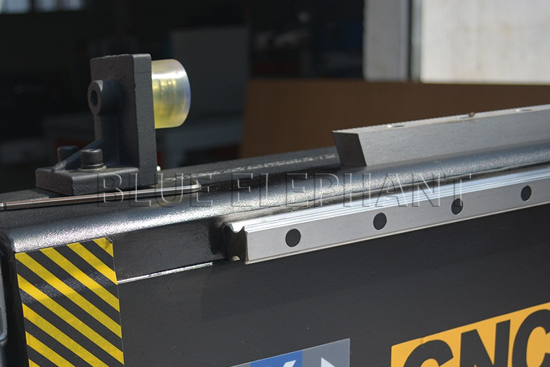 soft limit and linear rail of 1224 high z axis cnc machinery with rotary device