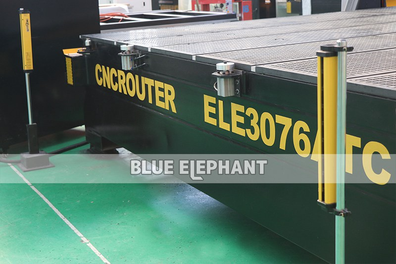details of 3076 3mx7.6m large working size atc cnc router