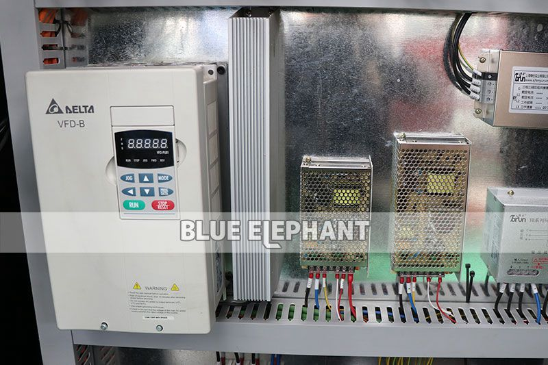11kw delta inverter of 2060 cnc router atc with siemens controller