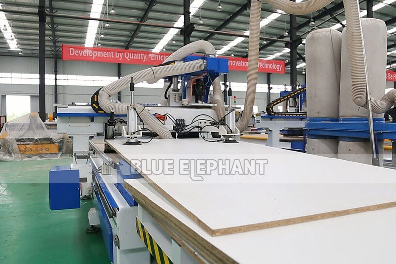 detail 01 for 1325 automatic loading and unloading wood working machine
