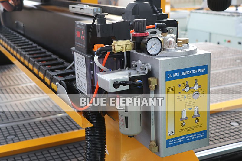 oil mist cooling sprayer of 2060 cnc router atc with siemens controller