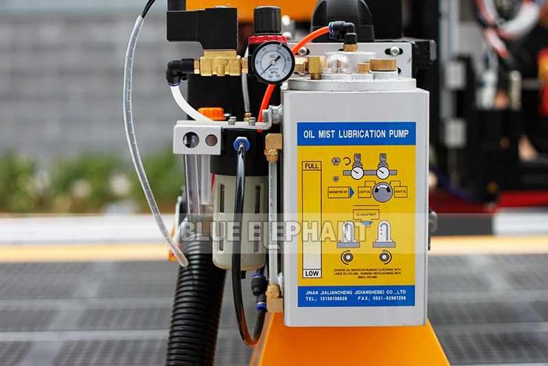 lubrication for 4 axis cylinder cnc router for wooden table legs