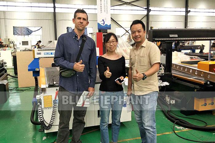 Czech-Customer-Visiting-for-2040-Carousel-ATC-CNC-Router-Machine