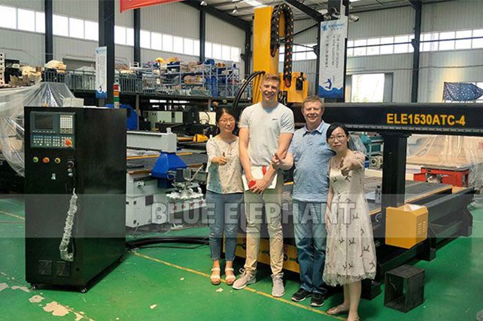 Finnish-Customer-Visit-Our-Factory